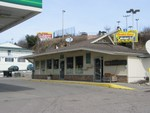 The hut at the BP gas station in town, also sells liquor. You can see the Days Inn hotel at the left of the picture.