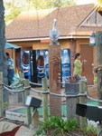 Looking back at the hut and the 'pelican perch' Tiki.